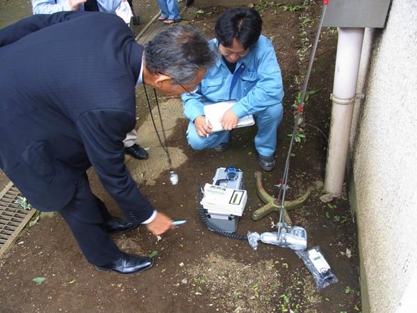 杉並区_共産党_合同放射線量測定(2011.09.27)